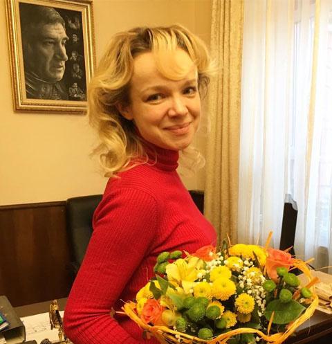 Экс-супругу Джигарханяна заподозрили в сговоре с сотрудниками его театра