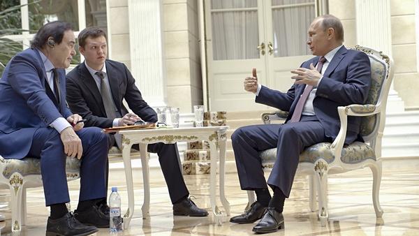 На встречах Оливера Стоуна и Владимира Путина присутствовал переводчик