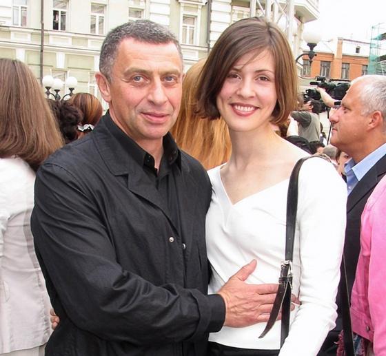 Иван Дыховичный с третьей женой Ольгой, которая сейчас живет в России