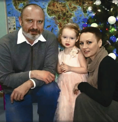 Сейчас Елена и Александр делят в суде 5-летнюю дочь Софью