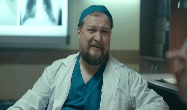 Сергей Макаров сыграл в «Интернах» роль врача приемного отделения Геннадия Петровича