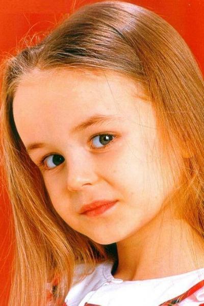Полина Гагарина с детства умела позировать камерам