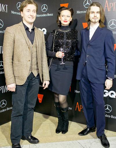 С матерью Ириной Безруковой и отчимом Сергеем Безруковым