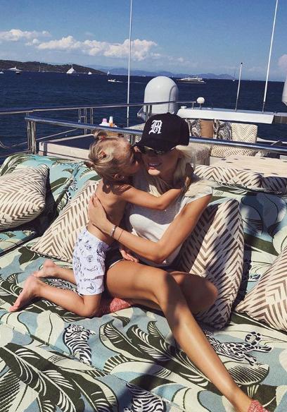 Шишкова и Тимати сохраняют дружеские отношения ради дочери