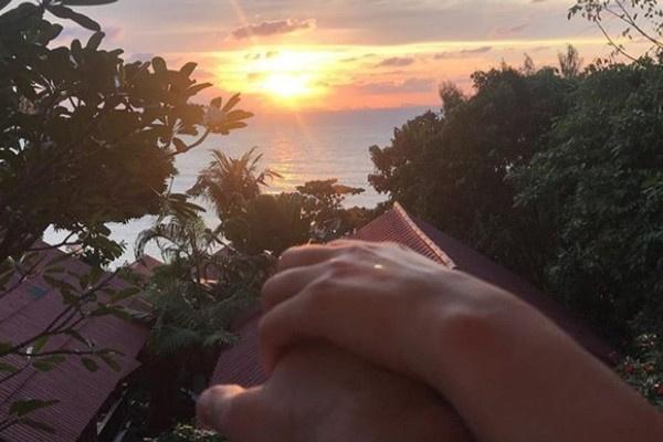 Марк Богатырев опубликовал романтическое фото из путешествия