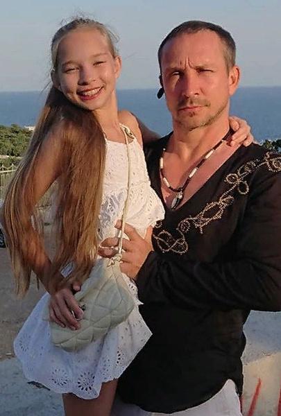 Данко со старшей дочерью