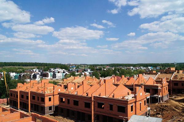 Минимальная цена таунхауса в поселке, где будут жить Даша и Сергей, – 6,9 млн рублей