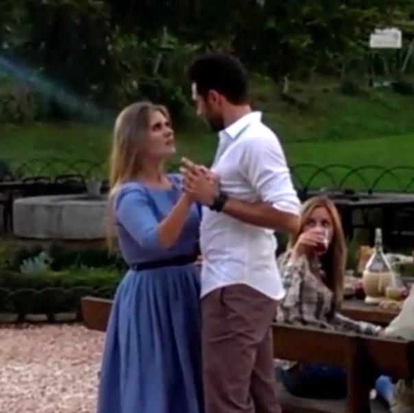 Анна на съемках клипа с итальянским актером