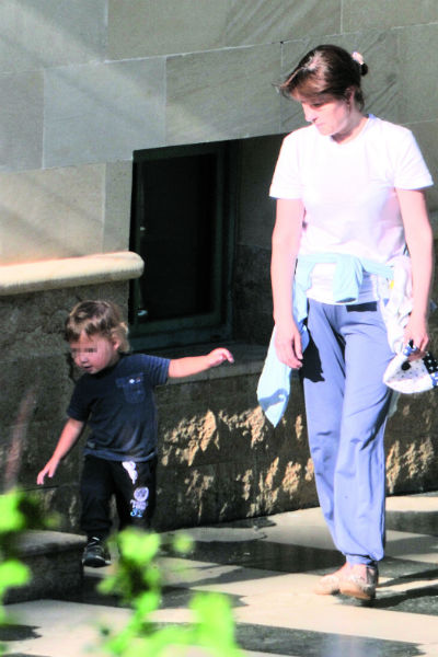 Маленький Гарри с няней