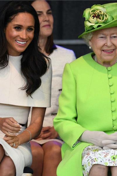 Сейчас бывшая актриса всеми силами пытается заслужить благосклонность королевы