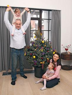 Сергей Доренко с женой Юлей и дочерьми Варей и Верой