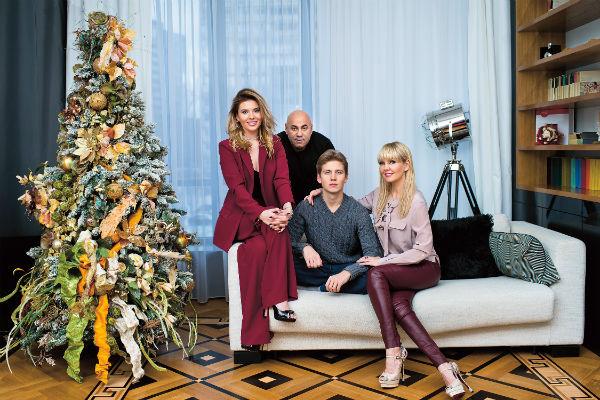 Звездная есмья собирается за ужинами в квартире старшей дочери Валерии Ани