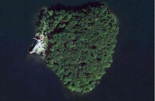 Так выглядит остров с высоты