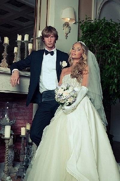 Антон и Вероника в день свадьбы
