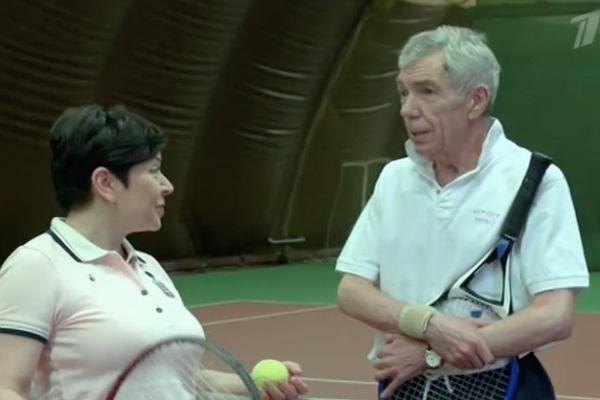 Юрий Николаев сыграл в теннис с Наташей Барбье