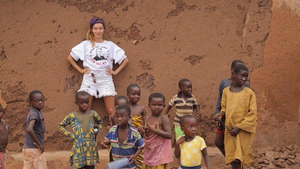 Во время съемок 14-ого сезона, «Рай и Ад», съемочную группу занесло в Аккру, столицу Республики Ганы. Эту Африканскую глубинку Регина Тодоренко изучала вместе с Лесей Никитюк