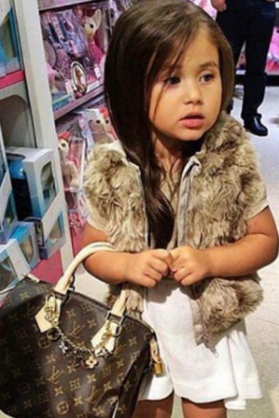 Раньше Оксану часто осуждали за слишком взрослые наряды для дочери