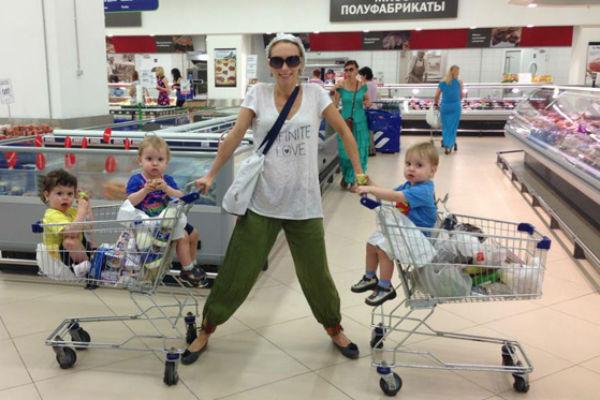 водянова инстаграм и ее дети