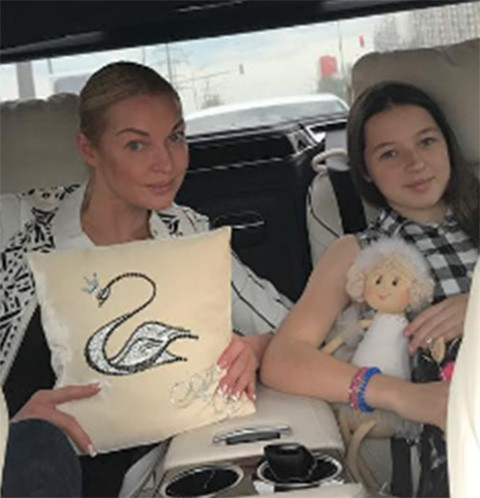 Анастасия Волочкова и ее дочь Ариадна