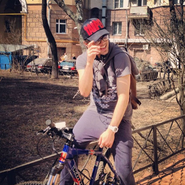 """«Велосипедная страсть», -написал артист в """"Твиттере"""""""