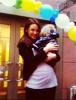 Супруга Пирцхалавы Софья с новорожденным сыном