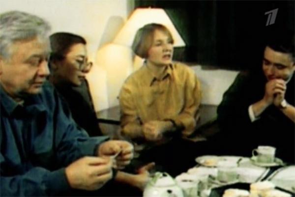 В фильме показали архивное видео первой семьи Олега Табакова