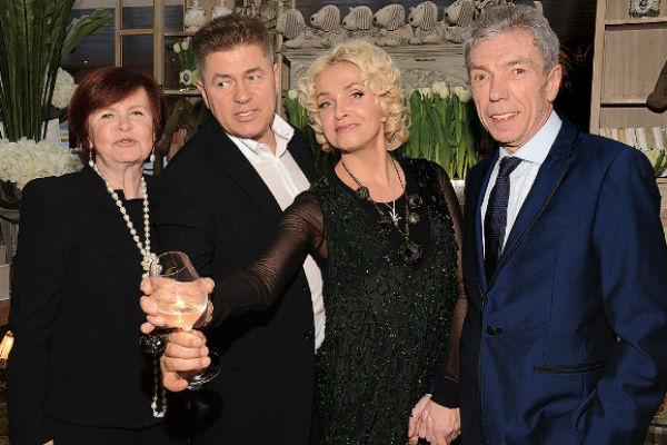 Лайма с мужем Андреем, Юрием Николаевым и его супругой Элеонорой, день рождения певицы, 2013 год