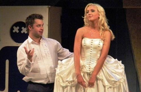 Виталий Гогунский и Ольга Бузова сыграли жениха и невесту