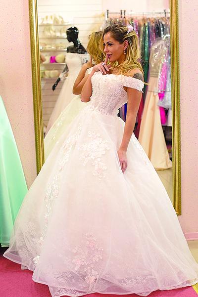 d4547036aa3 Беркова потратила два миллиона на свадебные платья  Яндекс.Новости