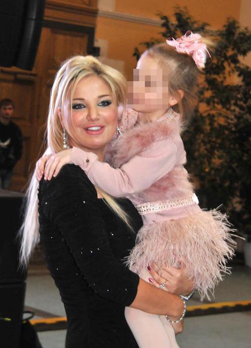 Мария Максакова с любимой дочерью Людмилой
