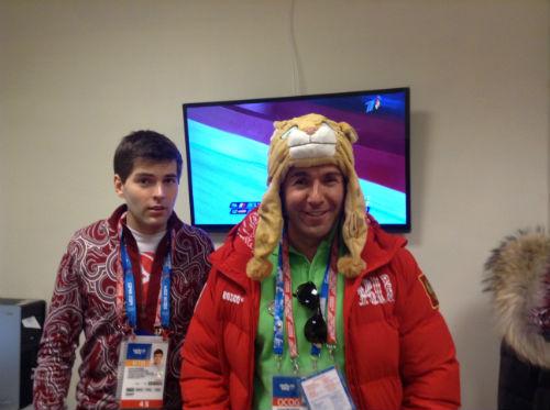 Мой коллега по олимпийскому каналу Дмитрий Борисов остался без шапки