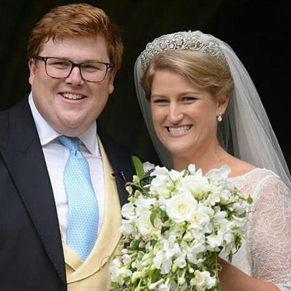 Жених и невеста выглядели невероятно счастливыми