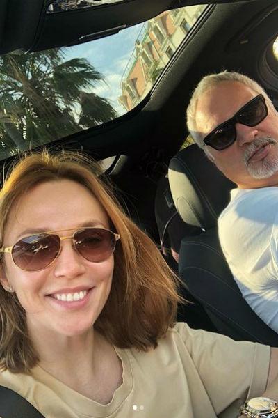Супруги проводят вместе каждую свободную минуту