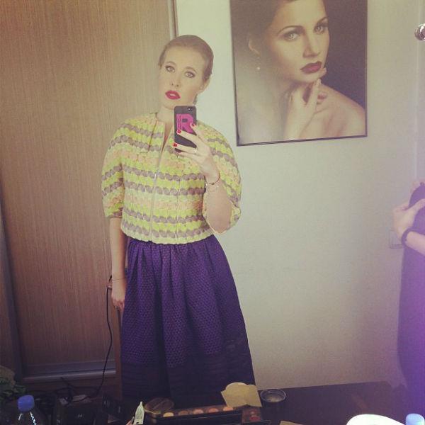 На сьемках. Пиджак Katya Dobryakova и юбка Dior подружились