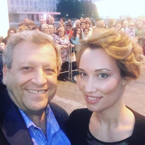 Борис счастлив с новой супругой