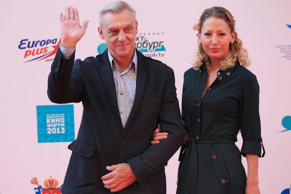 Александр Половцев с возлюбленной Эсаной
