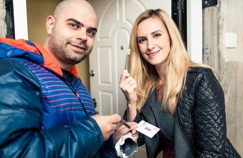 Илья и Ольга Гажиенко потихоньку обустраивают новую квартиру