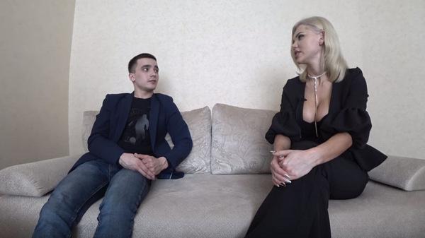 Катя Самбука приехала в Тольятти, куда недавно переехал Сергей Семенов