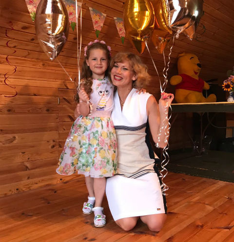 Елена Бирюкова с дочерью Аглаей