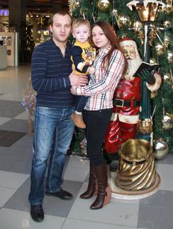 Алексей и Ирина поженились, как только его выпустили на свободу. Их сыну Андрею полтора года.