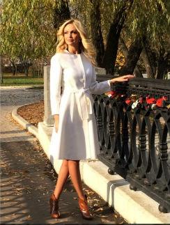 Виктория Лопырева наслаждается московской осенью