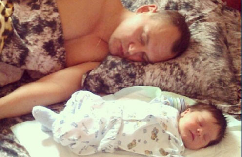 «Спим с Ваней», - подписал снимок Меньщиков