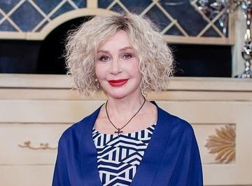Татьяна Васильева устроила эротическую уборку