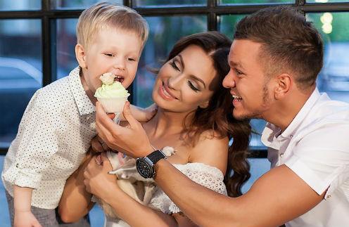 Евгения и Антон Гусевы с сыном Даниэлем