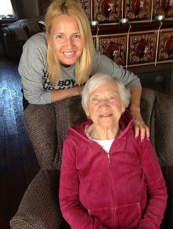 Юлия Бордовских с любимой бабушкой