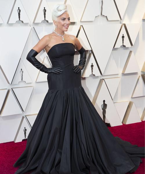 Леди Гага в платье от Alexander McQueen