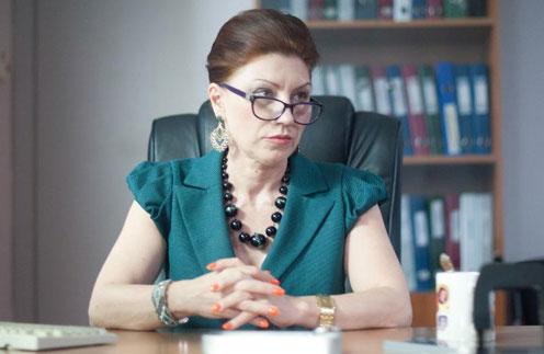 Роза Сябитова в роли сотрудницы органов опеки