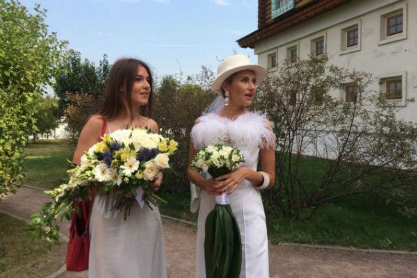 Екатерина Архарова с подругой