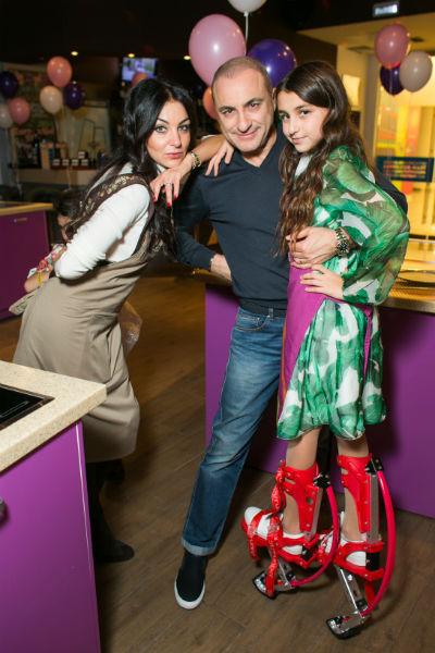 Михаил Турецкий с супругой Лианой и дочерью Эммануэль