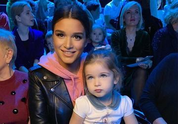 Ко дню рождения Теоны: 15 милых фотографий младшей дочери Ксении Бородиной